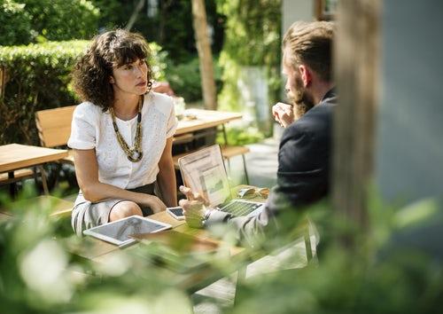 meeting new client - Stationery Bisnis Penting untuk Usaha Anda